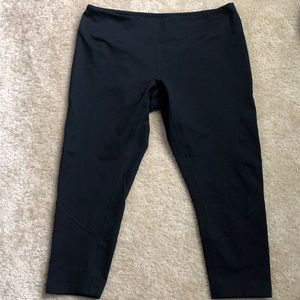 Zella large crop leggings in black